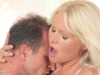 Mom Hd Blonde Milf Needs Good Fucking