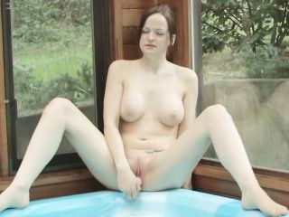 Hot-tub Hunnies
