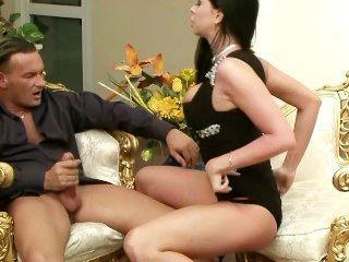Larissa Dee Is One Hot Mama