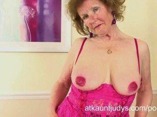 Over 60 Gilf Pearl Masturbates Her Pierced Pussy