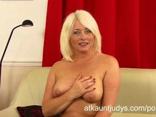 Amber Jewell Interviews And Masturbates For Auntjudys.com