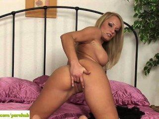 Blonde Milf Slut Valentina Valente Toys Twat