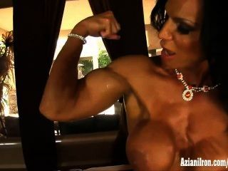 Muscle Porn Actress Rhonda Lee Spreads And Plays With Her Clit