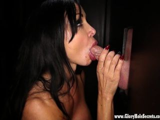 Gloryhole Secrets Buff Babe Jewels Jade Cum Swallowing At The Gloryhole 4