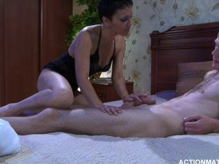 Actionmatures_g697_clip