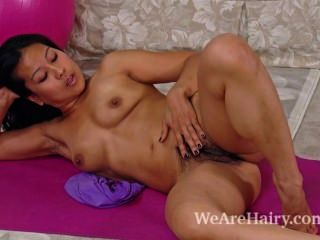 Sexy Max Makita Fingers Her Hairy Pussy On Floor