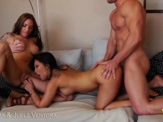 Naughty Asa Akira And Juelz Ventura Gets Jizzed