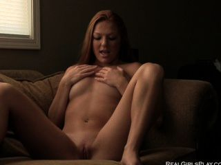 Redhead Babe Farrah- Hard Orgasms And Risky Public Play!
