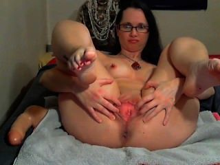 Tina Tigue Nipple Milking And Pussy Showoff And Squirt