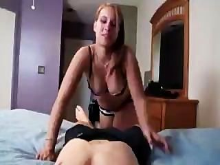 Gorgeus Baby Knows How To Ride A Dick