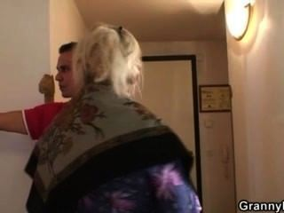 Old Granny Is Banged By An Young Pickuper
