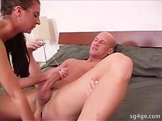 image Pinkhaired slut makes a dick explode