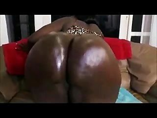 Big Black Beautiful Babe (non-english)