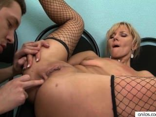 Hot Blonde Cougar Loves Ass Fucking