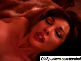 Sexy Mature Latina Vanessa Bella Loves To Fuck