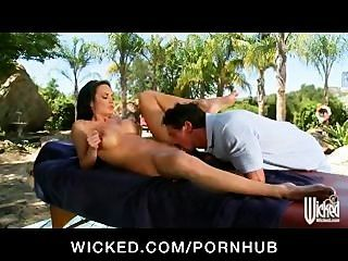 Big Tit Milf Alektra Blue Gets Massage And Fucks Outdoors By Pool
