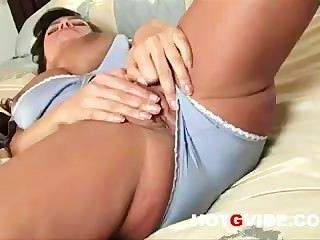 Lisa Ann Fingers Her Hot Shaved Pussy