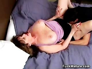 Sweet Mature Gives Head