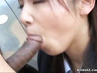 Japanese Momo Aizawa Gives An Outdoor Blowjob