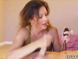 Nancy Is So Horny For Her Boyfriend Cum She Wants A Golden Shower
