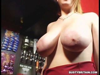 Teen Skarlett Shows Her Melons