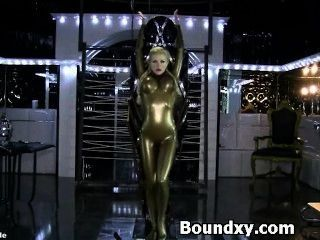 Entertaining Female In Latex Rig Submission