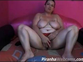 Hot Chubby Girl On Cam