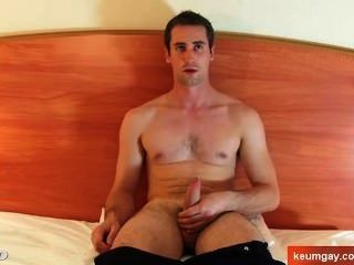 Straight Guy Get Wanked His Huge Cock By A Gay Guy!