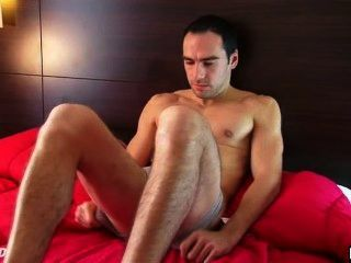 Benoit: A Real Straight Guy Get Wanked His Huge Cock Bya Gay Guy !