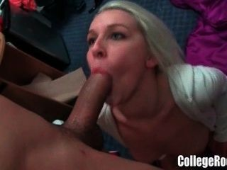Amateur College Girls Fucking Guys In The Dorm
