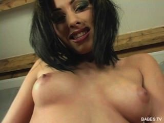 Stunning Czech Anetta Keys Shows Off Her Perfect Body & Pleasures Herself