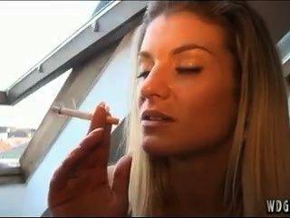 Beautiful Girls Smoke
