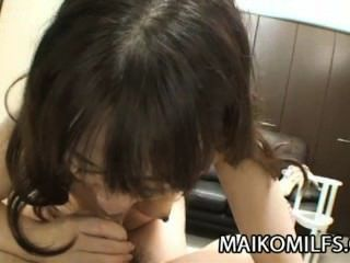Yukiko Moritani: Wrinkled Mature Japan Pussy Drilled Deep