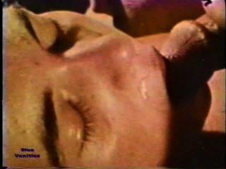 Peepshow Loops 226 1970s - Scene 1