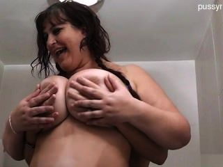Natural Tits Girlfriend Deep Throat