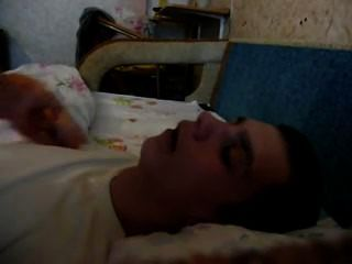 Cлили спящему в ротовую полость