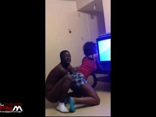 Sexy Black Girl Twerks In Front Of Fully Nude Guy
