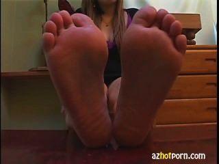 Sexy Upskirt On Feet Models