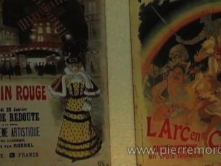 Lesbiennes Françaises Jouant Avec Une Sangle Sur Gode