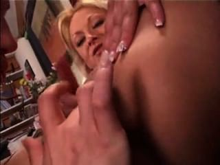 Teen Fists Milf