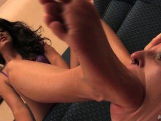 Mistress Selena Foot Slave