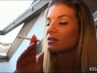 Girls Smoke