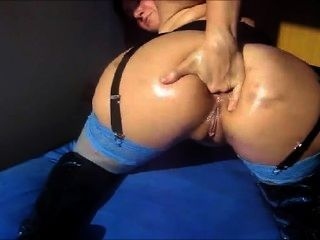 Nasty Mature Chick Fists Her Ass