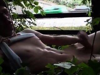 Masturbandose A Lado De La Carretera