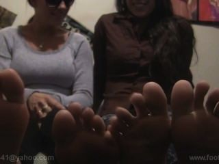 Sexy Amateur College Feet! Jasmine And Roxxanne