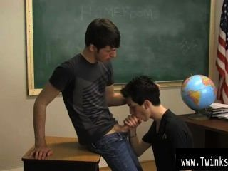 Gay Xxx The Nice Guys Were Told By Their Teacher To Make The Classroom