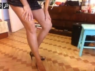 Sexy Argentine Mature Pees For Money