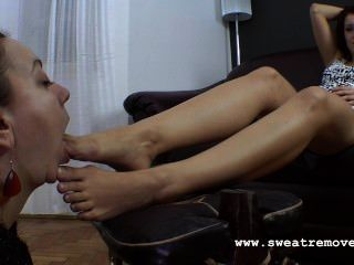 Slave Worship Mistress Dirty Feet