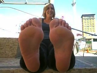 Her Big Soles & Those Meaty Fat Toes Smelled Like Straight Vinegar