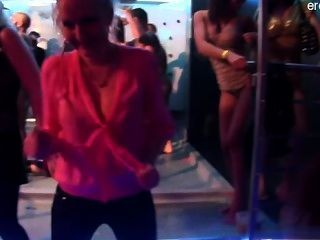 Energic lapdance by chubby czech chick 8